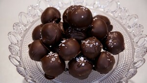 Chocolate salty balls