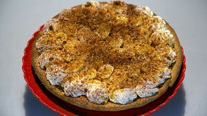 Banana-peanut monkey pie