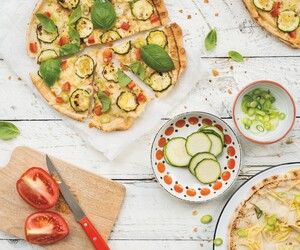 Snelle pizza met courgette