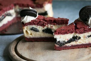Red velvet Oreo cheesecake