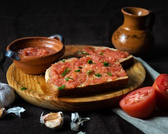 Pan con tomate