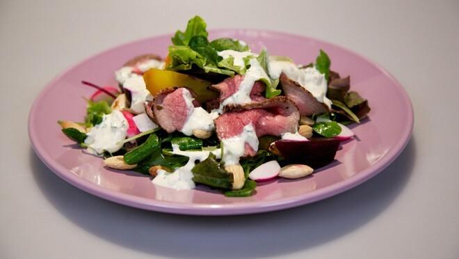 Salade Met Gebraden Rosbief Met Mierikswortelcreme 24kitchen