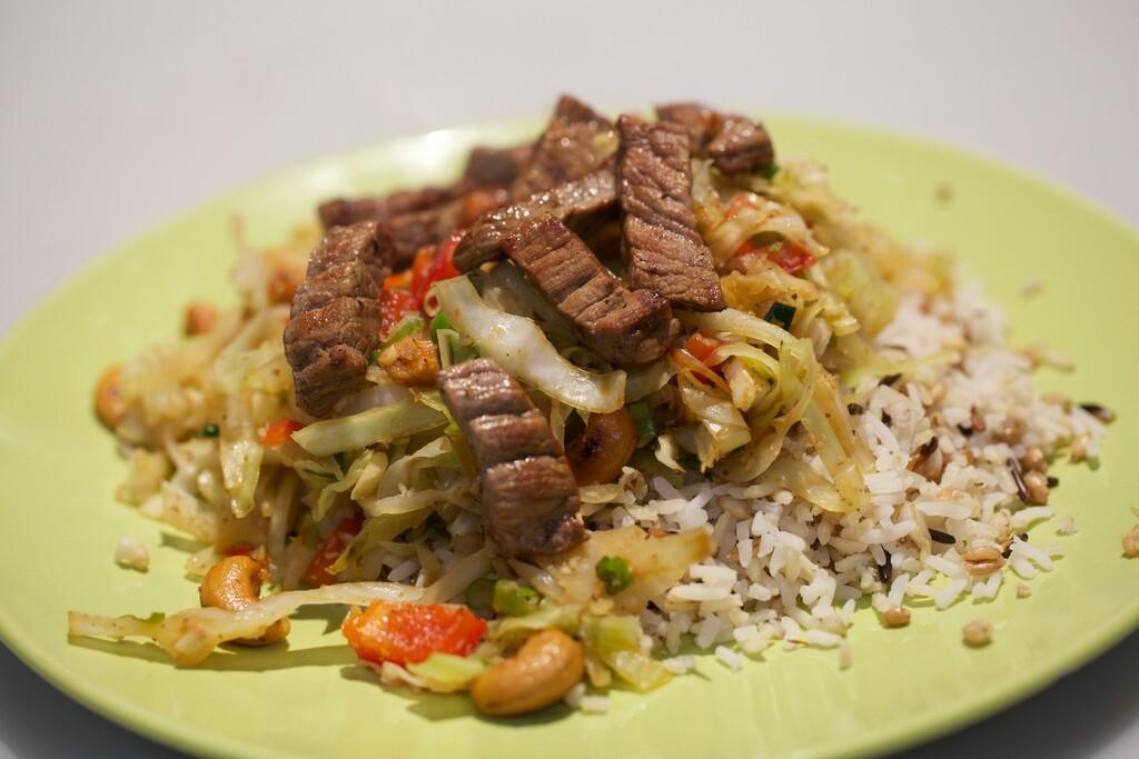 spitskool uit de wok met rundvlees - 24kitchen